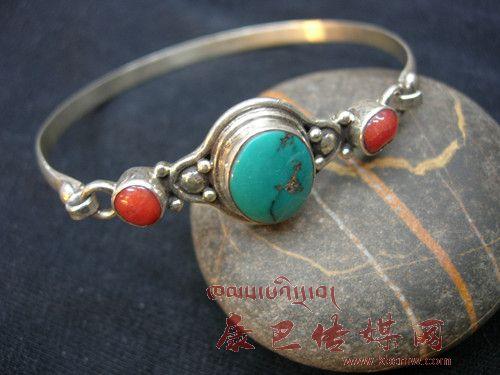 藏族耳环手绘图