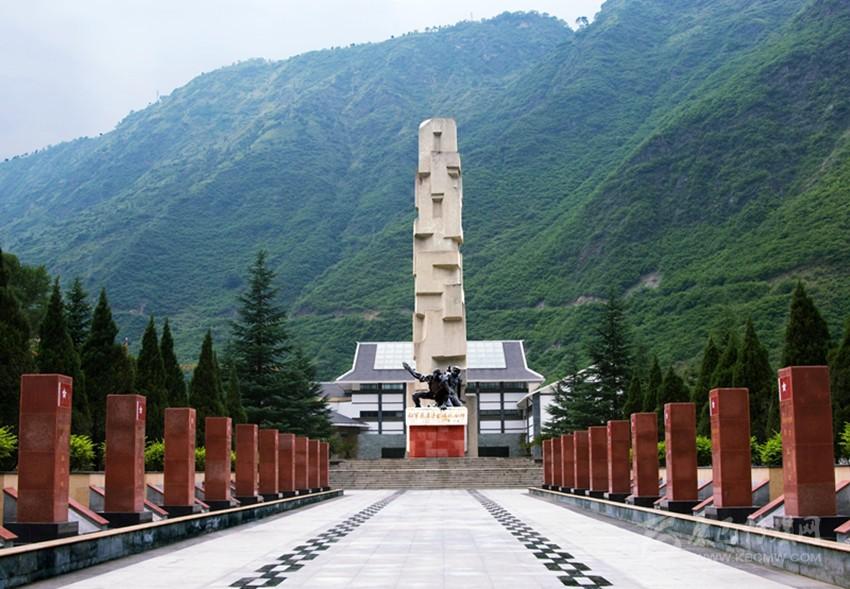 加上海螺沟景区,亚丁景区,木格措景区和丹巴甲居藏寨景区4处4a级旅游