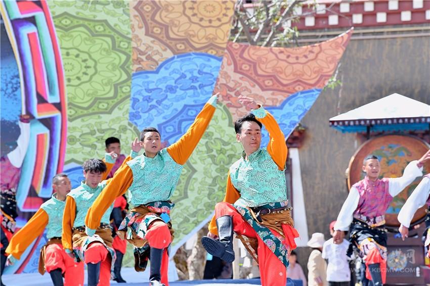 甘孜县:第三届珠牡迎秋节即将启幕